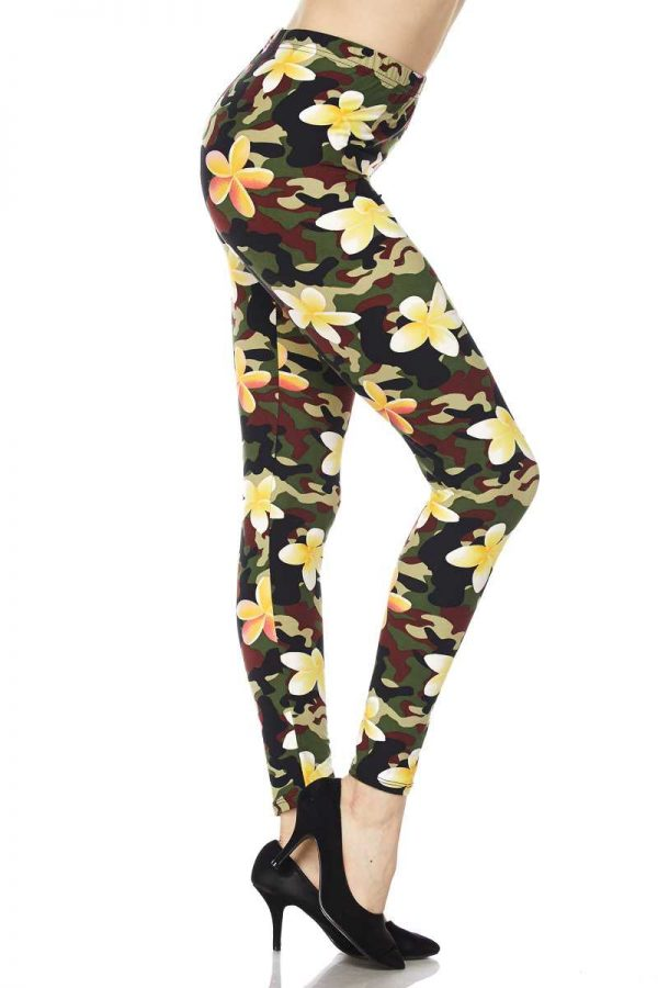 Flowers on Camo Print Ankle Leggings 1