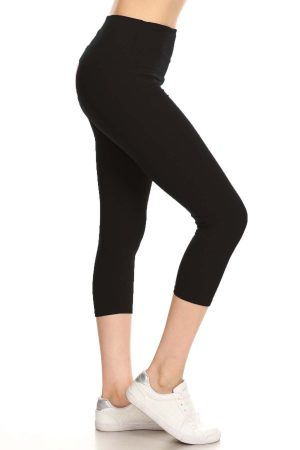 High waisted solid black capri 3